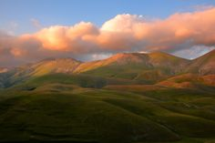 Sibillini at sunset - null