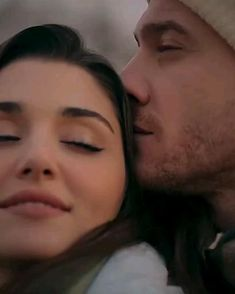 Romantic Love Song, Romantic Songs Video, Romantic Movies, Funny Videos For Kids, Cute Couple Videos, Videos Funny, Cute Couples Goals, Couples In Love, Couple In Love Photography