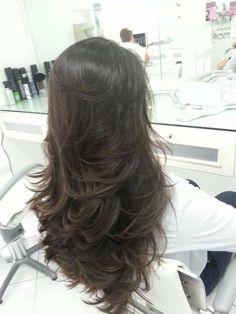 New Hair Styles Corto Morenas Ideas Medium Hair Styles, Long Hair Styles, Cabello Hair, Hair Styler, Haircut And Color, Long Layered Hair, Layered Haircuts, Great Hair, Hair Dos