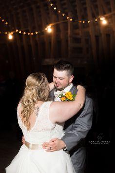 Barn Wedding | Epic Wedding Photos | Romantic Wedding Photos | Colorado Wedding Photographer | First Dance | Wedding Photo Ideas | Lucy Schultz Photography