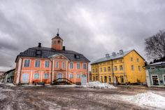 Porvoo Finland: An Easy Day Trip From Helsinki - Independent Travel Cats Finland Travel, Easy Day, Archipelago, Pilgrimage, Helsinki, How To Take Photos, Day Trip, Old Town, The Good Place