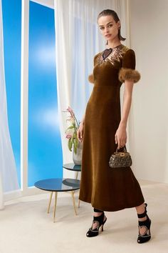 See the full Pre-Fall 2018 collection from Fendi.