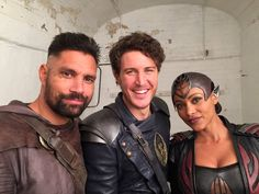 Aaron Jakubenko @AaronJakubenko  Getting ready for war with these two! #ShannaraChat