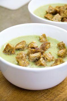 Crema di broccoli con crostini piccanti