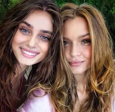 taylor hill, model, and josephine skriver image Taylor Marie Hill, Victoria Secret Fashion, Victoria Secret Angels, Victorias Secret Models, Sophia Loren, Modelos Victoria Secret, Victoria's Secret, Dating Girls, Vs Models