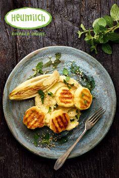 Heumilch-Käselaibchen mit Hummus und Minze. * * * Tolle Rezepte findet Ihr auf www.heumilch.at/rezepte Brunch, Food Court, Hummus, Super, Cheese Recipes, Cooking Recipes, Eat Lunch, Dinners, Hay