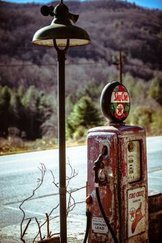 When I was a kid, my Granddad owned a service station. I think of him every time I smell gasoline at the pumps. Funny how things like that stay with you. Old Gas Pumps, Vintage Gas Pumps, Station Essence, Pompe A Essence, American Pickers, Old Gas Stations, Filling Station, Texaco, Oil And Gas