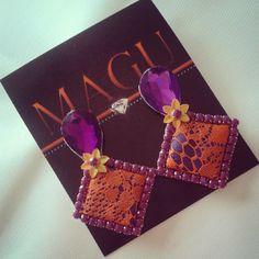 Zarcillos #zarcillos #pendientes #aretes #orecchini #brinco #earrings #hechoenvzla #hechoamano #handmade #talentovenezolano #designersvenezuela #moda #lacejewelry #accesories #vintage #vintagestyle #lace #madeinvzla_ #venezuelacreativa #vitrinahechoenvenezuela #hechoentricolor #mmodavenezuela #yousodiseñovenezolano #apoyoaldiseñovenezolano #accesories