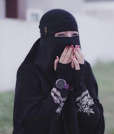 Beautiful Muslim Women, Beautiful Hijab, Beautiful Indian Actress, Arab Girls Hijab, Muslim Girls, Niqab Fashion, Muslim Fashion, Hijabi Girl, Girl Hijab