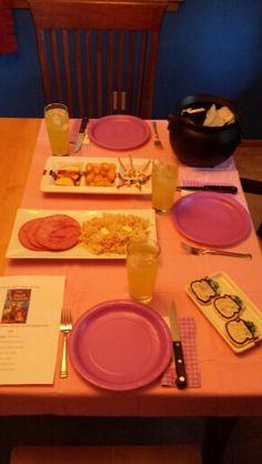 The Black Cauldron - Table setting