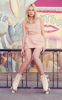summer = Princess dresses and roller skates. Roller Derby, Roller Quad, Roller Disco, Roller Skating, Fashion Shoot, Editorial Fashion, Boho Fashion, Fashion Models, Modest White Dress