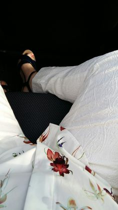 white tregging with woven line pattern and silk flower blouse from h&m. Treggings, Line Patterns, Silk Flowers, Wedges, Navy, Blouse, Health, Shoes, Hale Navy
