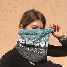 Ravelry: I'll Pack A Cowl for Rhinebeck pattern by Deb Jacullo Crochet Woman, Knit Crochet, Quick Knitting Projects, Knit Cowl, Knitting Accessories, Double Knitting, Crochet Clothes, Knitted Hats, Knitted Scarves