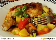 Dušená kuřecí stehna se zeleninou v jedné pánvi recept - TopRecepty.cz One Pan Dinner, Pork, Turkey, Healthy Recipes, Healthy Food, Cooking, Ethnic Recipes, Sweet, Dinners