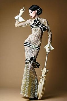 Modern take on Eliza Doolittle's dress in My Fair Lady