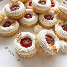 Merengli Kurabiye – Nefis Yemek Tarifleri – Kurabiye – The Most Practical and Easy Recipes Biscuit Cookies, Cupcake Cookies, Cookie Dough, Easy Cookie Recipes, Baking Recipes, Dessert Recipes, Yummy Recipes, Super Cookies, Cookie Decorating