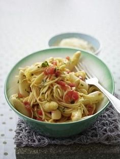 Spargel-mit-Spaghetti Spicy Recipes, Pasta Recipes, Tortellini, Gnocchi, Cabbage, Brunch, Pizza, Food And Drink, Low Carb