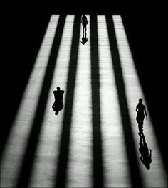 Tate Modern: 101 Awe-Inspiring Examples Of Street Photography. Shadow Photography, Photography Gallery, Urban Photography, Abstract Photography, Light Photography, Black And White Photography, Street Photography, London Photography, Lines In Photography