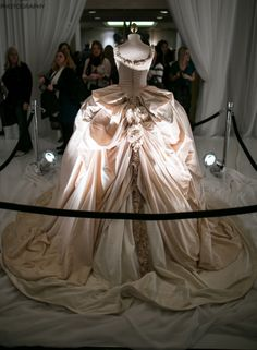 The show stopper was from Valenciennne Bridal where they showcased their Marie Antoinette stunning wedding gown. Wedding Show, Wedding Gowns, Wedding Tips, Vintage Dresses, Vintage Outfits, Vintage Clothing, Gowns Of Elegance, Elegant Gowns, Stylish Dresses