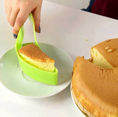 Cake cutter...could b very handy