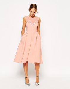 0fe7872bb Tips para elegir vestidos de graduación que puedas volver a usar para  bodas