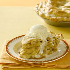 A good ol' fashioned #apple pie to satisfy your sweet tooth!