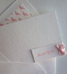Oudhollands papier, letterpress gedrukt, handgestrikt strikje, geboortekaarten , geboortekaartje, birth announcements