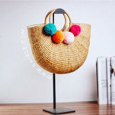 2017 new high quality tassel Rattan Bag beach bag straw totes bag bucket summer bags with tassels women handbag braided Straw Handbags, Tote Handbags, Rattan, Straw Tote, Straw Beach Bags, Thing 1, Boho Bags, Types Of Bag, Summer Bags