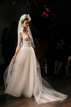 Naeem Khan Bridal Fall 2016 / Wedding Style Inspiration / LANE