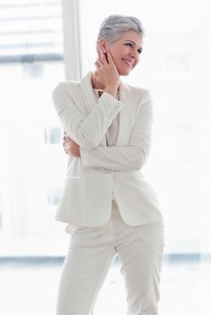 All white outfit idea | Get more style tips and inspiration at 40plusstyle.com
