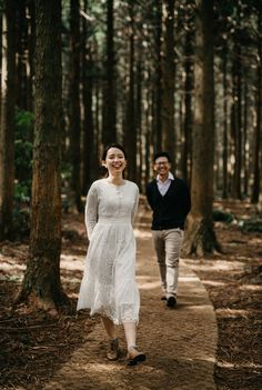 22 example of Korean-style prewedding photos wedding photoshoot 22 example of Korean-style prewedding photos Pre Wedding Poses, Pre Wedding Shoot Ideas, Wedding Couple Poses, Pre Wedding Photoshoot, Javanese Wedding, Indonesian Wedding, Indian Wedding Couple Photography, Couple Photography Poses, Korean Couple Photoshoot