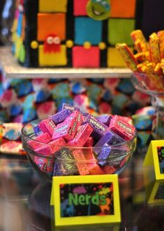 candy/ I love! Don't forget these for your graduation party, in honor of all Nerds! 80s Birthday Parties, 30th Party, 30th Birthday, Birthday Party Themes, Birthday Ideas, Eighties Party, Nerd Party, Disco Party, Party Entertainment