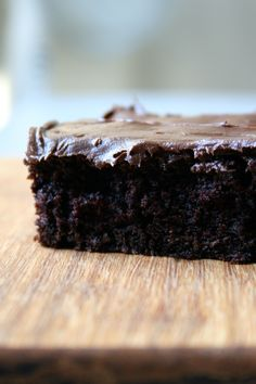 zucchini brownies - butter vs canola, sucanat vs white sug, GF flour blend vs all purpose,