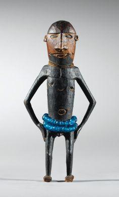 Statuette, Région Wakde-Yamna, Nord-Ouest de la Nouvelle-Guinée, Indonésie (ex-Irian Jaya) | Lot | Sotheby's