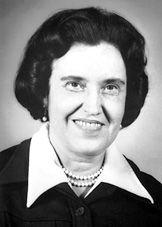 Rosalyn Sussman Yalow  (1921) Física estadounidense.   entro en el Servicio de Medicina Nuclear del Hospital de Veteranos del Bronx; se convirtió en jefa de dicho servicio en el año 1970. En 1977 le fue concedido el premio Nobel de Medicina por sus investigaciones relacionadas con las hormonas peptídicas y por sus avances en el diagnóstico y tratamiento de enfermedades de la tiroides, diabetes, anomalías de crecimiento, tensión alta y esterilidad.