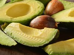 Looking for healthy heart-friendly fats to add to your diet? Avocado oil has numerous benefits for your health and beauty - and it tastes amazing in recipes