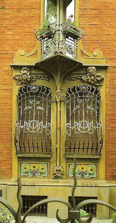 20 fantastiche immagini su recinzioni divisori balconi e ringhiere windows bovindo e casa futura - Finestre liberty ...