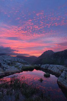The Devil's Sky (Twll Du, Glyderau, Snowdonia, Wales) by Guy Richardson Photography