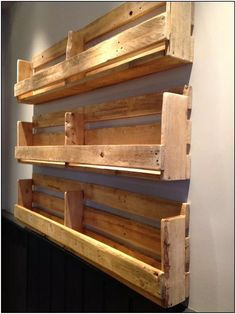 Love these shelves (used for bar menus at a pub in Moseley) Diy Pallet Projects bar Love menus Moseley pub Shelves Wooden Pallet Projects, Wooden Pallet Furniture, Woodworking Projects Diy, Wood Pallets, Diy Pallet Bar, Wooden Pallet Shelves, Pallet Wine, Pallet Benches, Pallet Storage