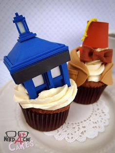 The TARDIS cupcake looks a little to big and blocky for me (in my opinion, the real TARDIS is a box but it's more weathered looking) but I absolutely adore the 11th Doctor cupcake in the back. Especially the bow tie. And especially the fez. You know what? I love the whole thing.