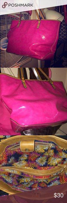 Sale!!!!Adorable Nine West purse! Limited time only sale! Price is firm!✨✨✨Pink Nine West purse! Used 5-6 times but still in good condition ! Very, very few minor scuffs but are barely noticeable when wearing! Overall great condition! Received many compliments on the color of this purse! Lots of storage for the ladies who have lots of stuff to carry around ( like me!) Multiple pockets, sections, and zippered parts of this purse are awesome for storage! Comment for additional pictures! Nine…