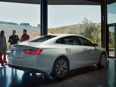 Carbuzz's 5 Annoying Things They Hate About Car Commercials