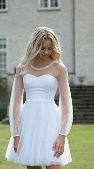 Konfirmationskjoler - Eksklusive kjoler til konfirmander Confirmation Dresses White, Sexy Outfits, Beautiful Dresses, Short Dresses, White Dress, Prom, Clothes, White White, Hygge