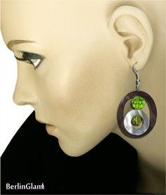 Ohrhänger aus Perlmutt und Glasperlen