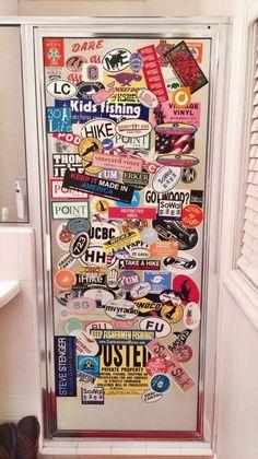 Closet with stickers - Bedroom door painting Painted Bedroom Doors, Bedroom Windows, Painted Doors, Cute Room Decor, Room Decor Bedroom, Dorm Room, Bedroom Colors, Tumblr Bedroom, Tumblr Rooms