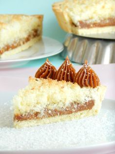 Tarta de coco y dulce de leche Pie Recipes, Sweet Recipes, Cookie Recipes, Food Cakes, Cupcake Cakes, Sugar Free Carrot Cake, Pastry And Bakery, Sweet Tarts, Desert Recipes
