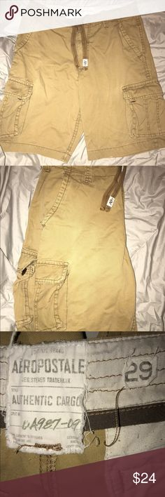 Men's Aeropostale cargo shorts Excellent condition cargo shorts. Slight piling on the inside of the shorts but no piling on the outside. Aeropostale Shorts Cargo