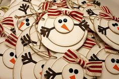 DIY snowman tags. Adorable. Or make in ordainment for the tree