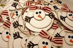 DIY snowman tags. Adorable.