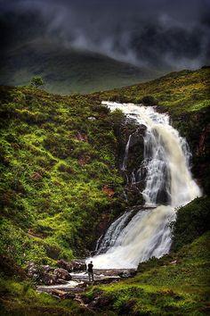 Cachoeira, Eas aBhradain, Isle of Skye, Escócia por photosecosse / barbara jones